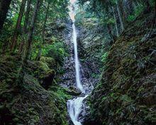 Canada, British Columbia, Strathcona Provincial Park, Lupin Falls, morning