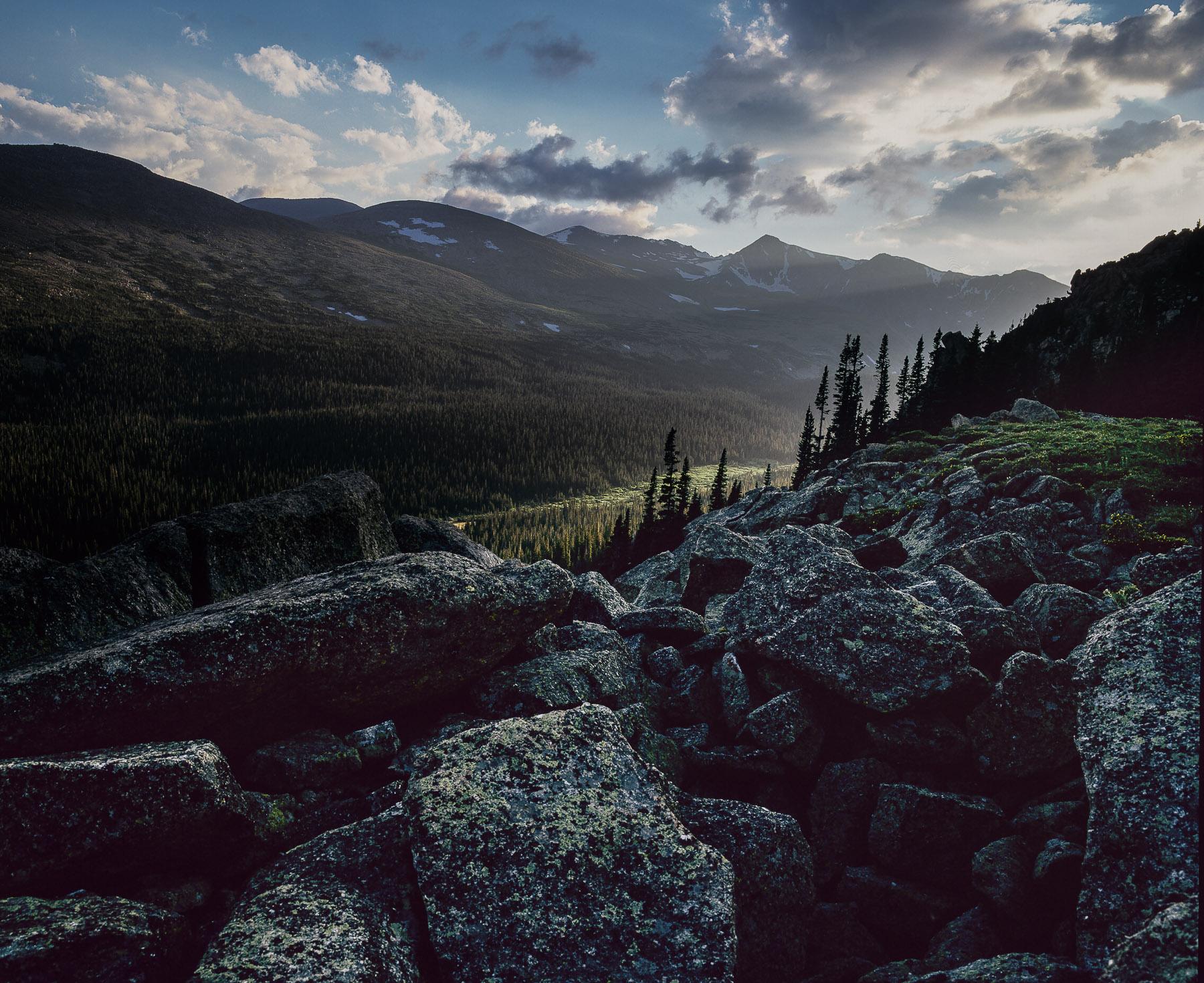 Mummy Range, Rocky Mountain National Park, Colorado, sunset, Stormy Peaks Pass, rays, photo