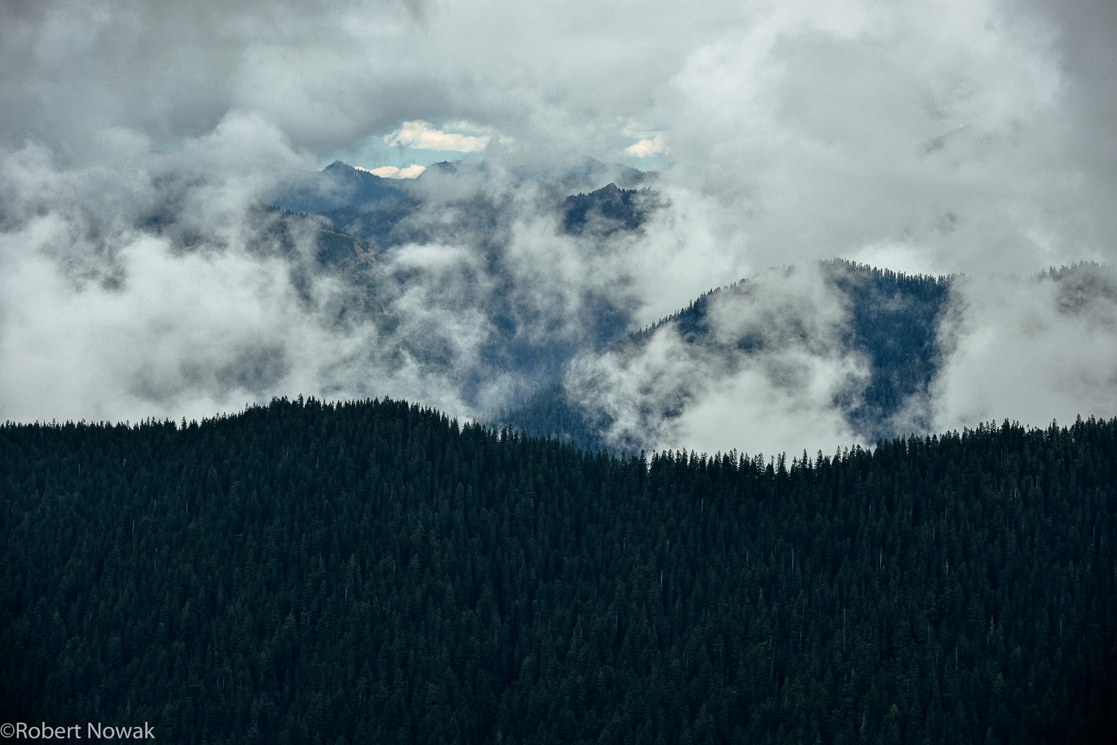 Baker Snoqualmie National Forest, Alpine Lakes Wilderness, Washington, clouds, fog, ridgeline, misty, mountains, photo